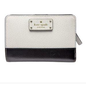 Kate Spade Grove Street Tellie Bi Fold snap wallet
